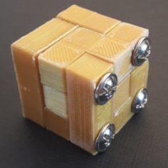 Casse tete cube 3 par 3 avec perage de montage 3D Model