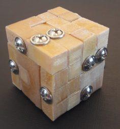 Casse tete cube 4 par 4 avec perage de montage 3D Model